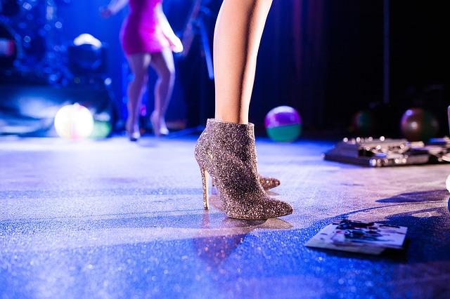 třpitivé boty
