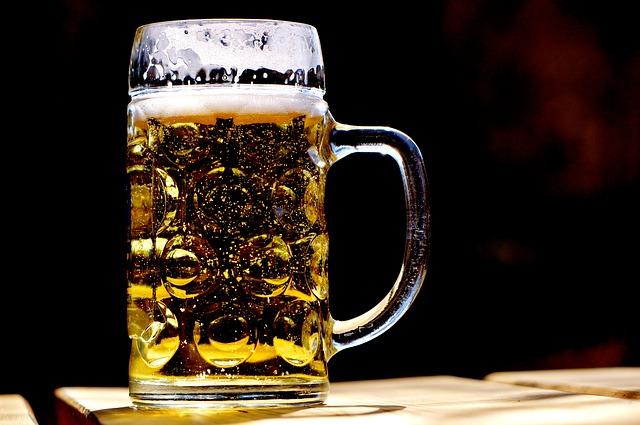 pivo v půllitru
