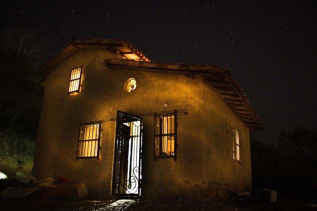 osvícený dům